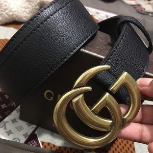 Lady's Gucci belt